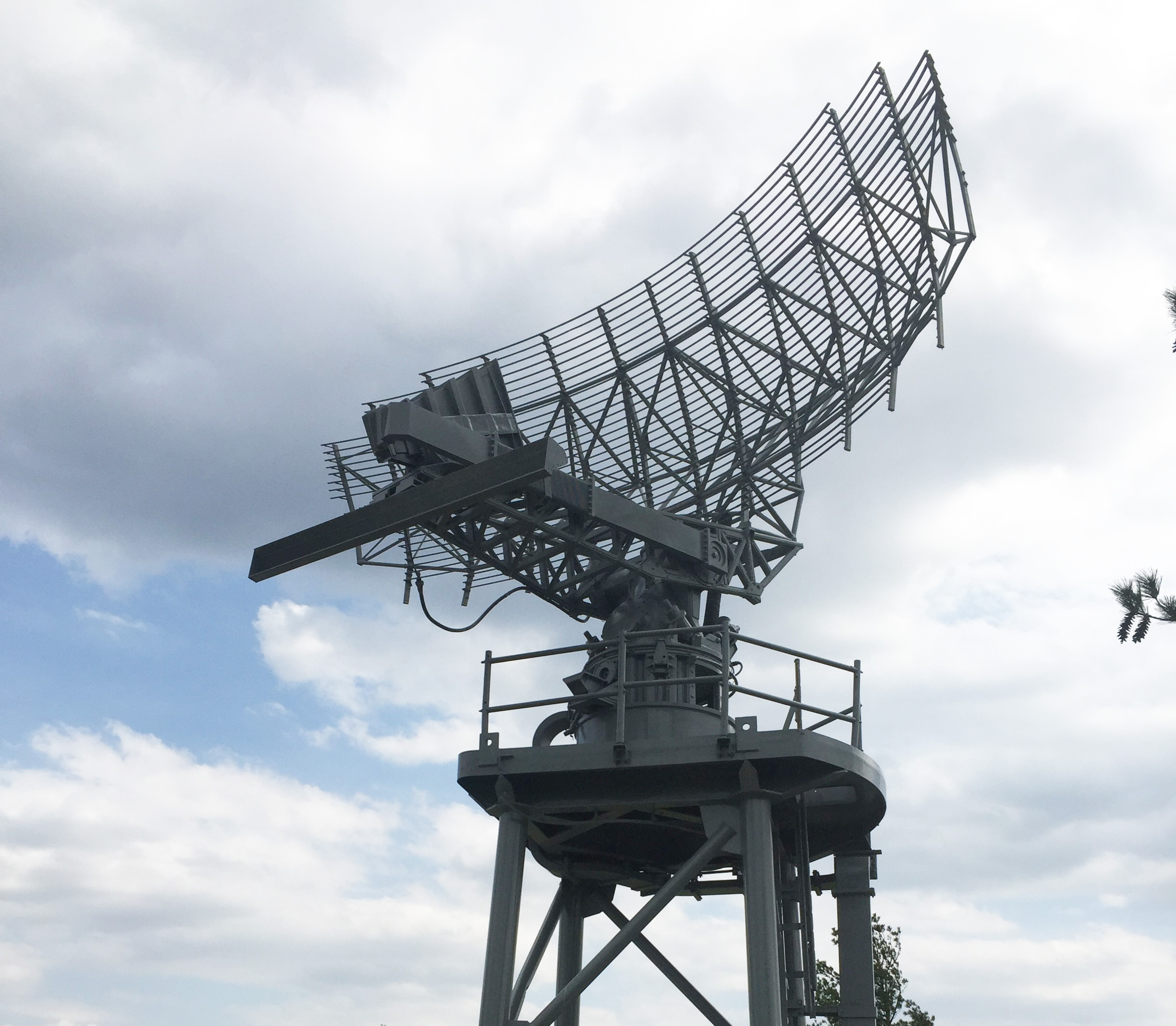 AN/SPS-49 Radar Antenna